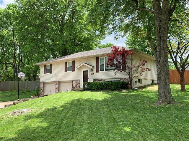 308 SW Stonewood Court, Blue Springs, MO 64014 (#2251840) :: House of Couse Group