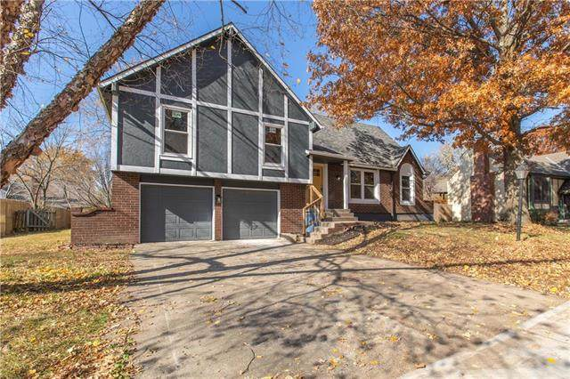 7914 NW Anita Drive, Kansas City, MO 64151 (#2251902) :: House of Couse Group