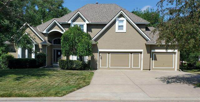 1308 SW Surrey Terrace, Lee's Summit, MO 64081 (#2251988) :: Audra Heller and Associates