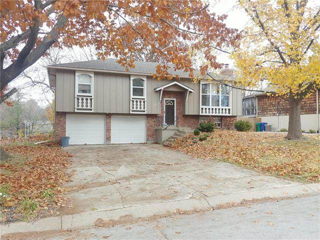 308 NE Colonial Court, Lee's Summit, MO 64064 (#2252031) :: The Shannon Lyon Group - ReeceNichols