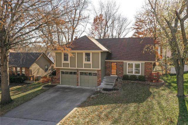 611 E Piatt Lane, Olathe, KS 66061 (#2252058) :: House of Couse Group
