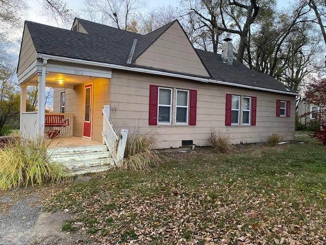 8412 Blue Ridge Boulevard, Kansas City, MO 64138 (#2252062) :: Audra Heller and Associates