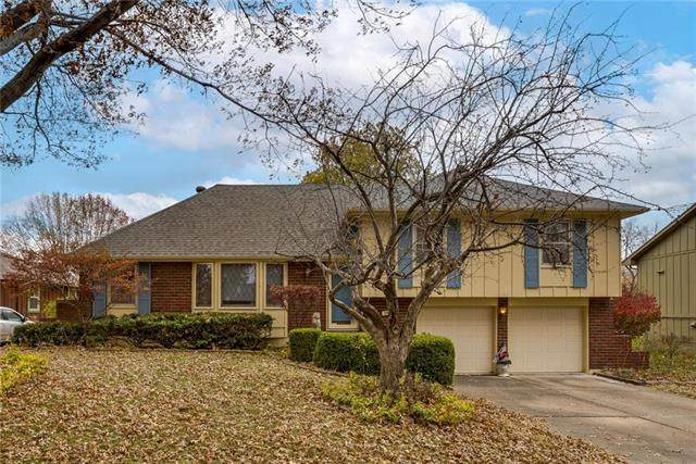 3909 S Summit Ridge Drive, Independence, MO 64055 (#2252118) :: House of Couse Group
