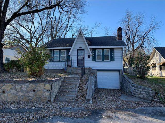 616 S Lake Drive, Independence, MO 64053 (#2252205) :: Edie Waters Network