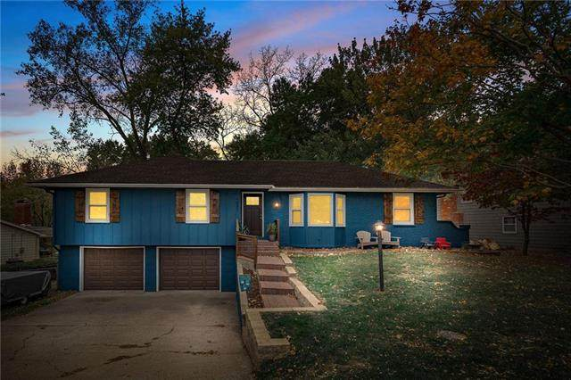 1231 NE 81ST Terrace, Kansas City, MO 64118 (#2252230) :: Edie Waters Network