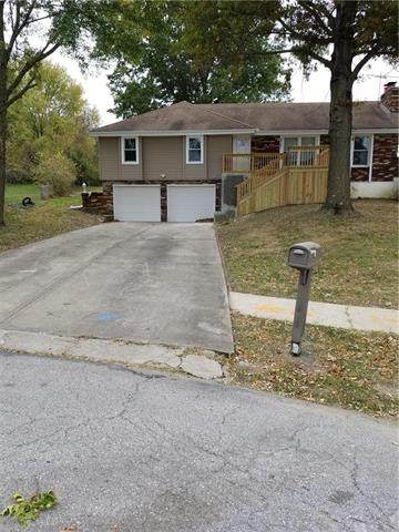 9721 Ditzler Avenue, Kansas City, MO 64134 (#2252243) :: House of Couse Group