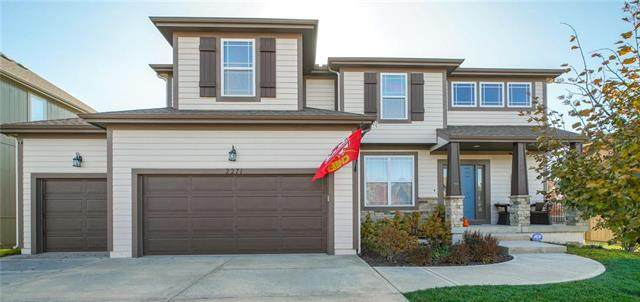 2271 W Fredrickson Drive, Olathe, KS 66061 (#2252255) :: House of Couse Group
