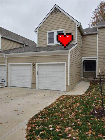 9436 W 120TH Street, Overland Park, KS 66213 (#2252269) :: House of Couse Group