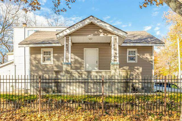 800 Van Brunt Boulevard, Kansas City, MO 64124 (#2252378) :: Austin Home Team