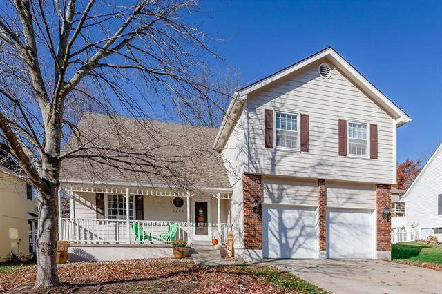 3308 S Black Forest Avenue, Blue Springs, MO 64015 (#2252478) :: Edie Waters Network