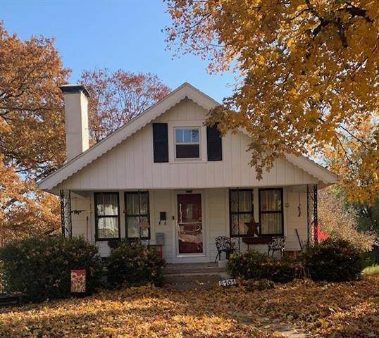 2101 Eugene Field Avenue, St Joseph, MO 64505 (#2252486) :: House of Couse Group