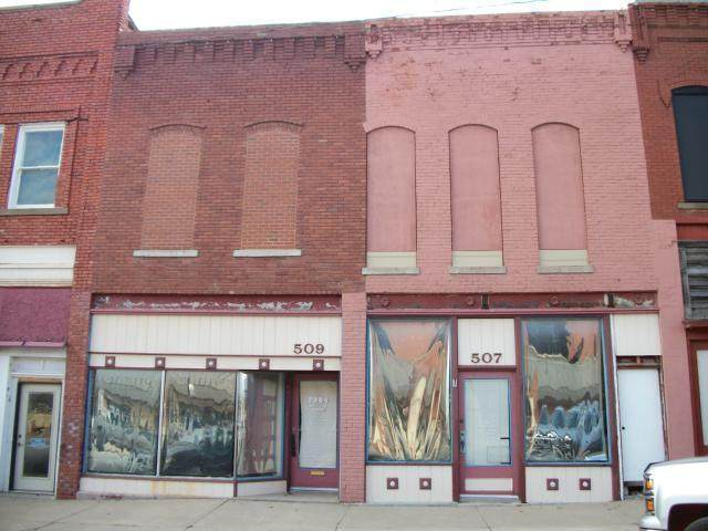 507-09 S Oak Street, Garnett, KS 66032 (#2252937) :: Eric Craig Real Estate Team