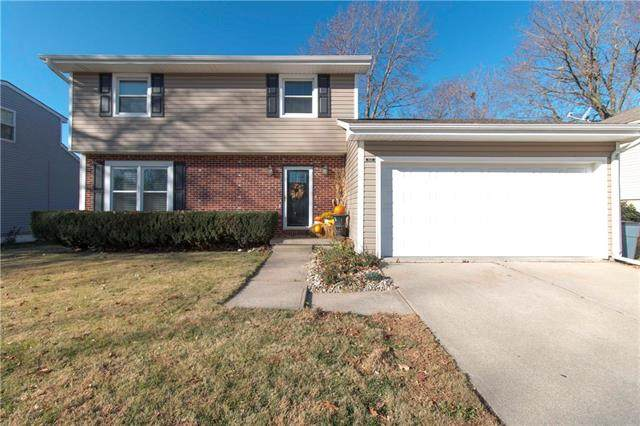 6214 S 24th Street, St Joseph, MO 64504 (#2252955) :: House of Couse Group