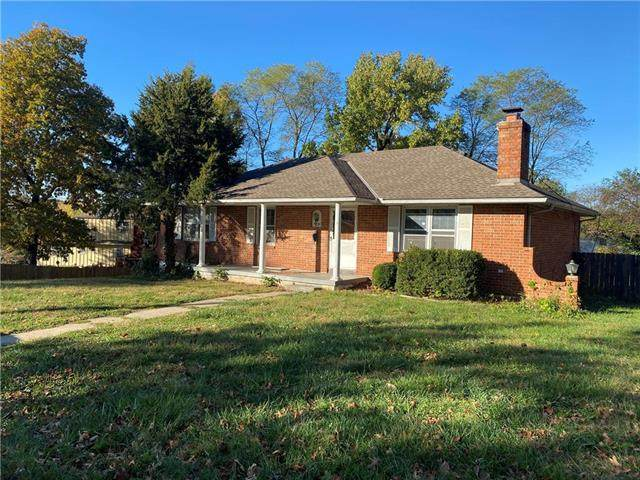 6904 Crisp Avenue, Raytown, MO 64133 (#2253080) :: House of Couse Group