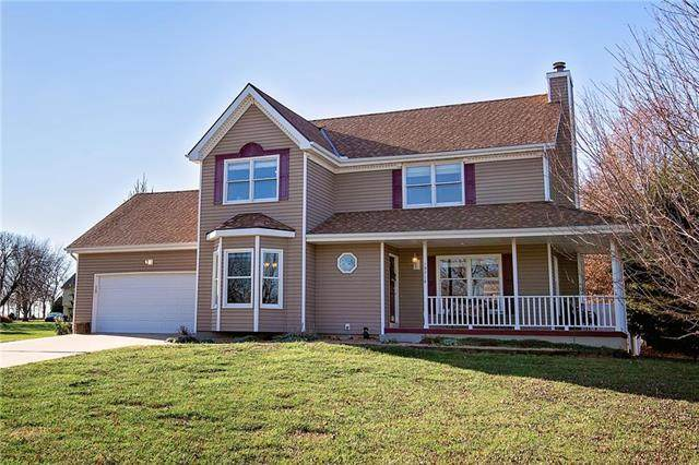 19714 Rosewood Drive, Stilwell, KS 66085 (#2253174) :: House of Couse Group