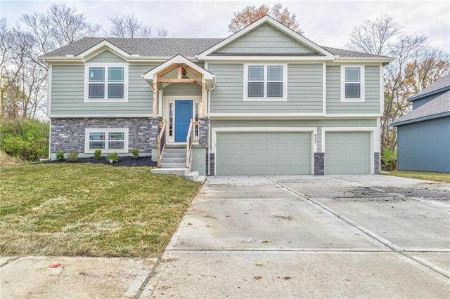 456 Lilly Lane, Liberty, MO 64068 (#2253207) :: Edie Waters Network