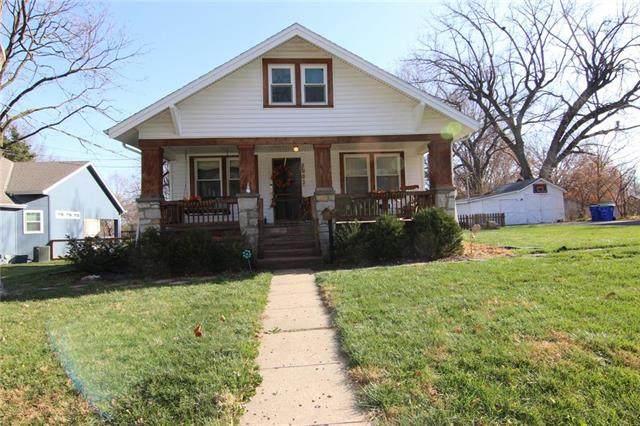 6003 Monrovia Street, Shawnee, KS 66216 (#2253220) :: House of Couse Group