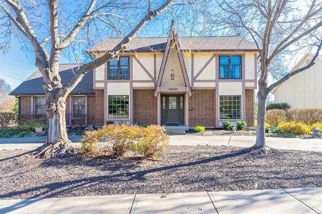 10301 Grant Lane, Overland Park, KS 66212 (#2253224) :: House of Couse Group