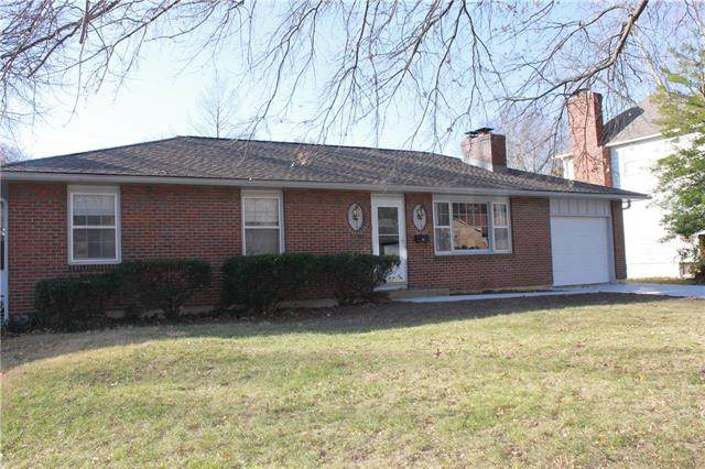 13309 E 44 Street, Independence, MO 64055 (#2253329) :: House of Couse Group