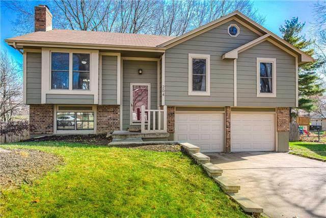 204 S Concord Drive, Olathe, KS 66061 (#2253378) :: House of Couse Group