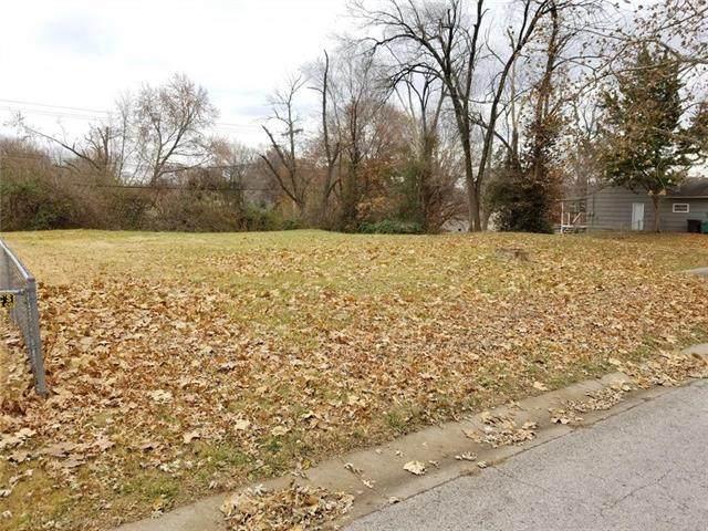 2501 N 61st Terrace, Kansas City, KS 66104 (#2253451) :: Audra Heller and Associates