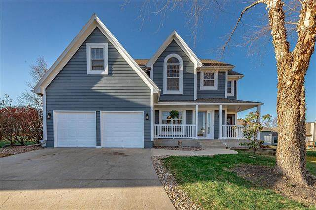8920 W 127th Place, Overland Park, KS 66213 (#2253454) :: House of Couse Group