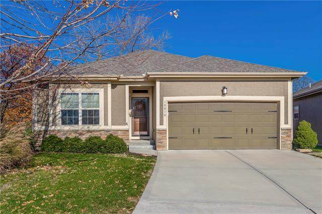 10010 W 66th Terrace, Merriam, KS 66203 (#2253487) :: House of Couse Group
