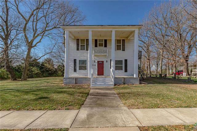 535 S Chestnut Street, Olathe, KS 66061 (#2253497) :: House of Couse Group