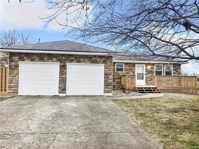 21825 W 179th Street, Olathe, KS 66062 (#2253526) :: House of Couse Group