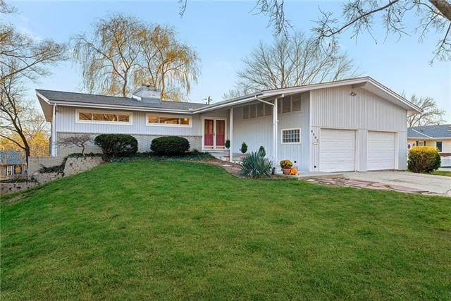 6007 W 94TH Terrace, Overland Park, KS 66207 (#2253539) :: House of Couse Group