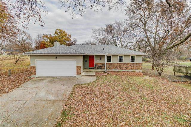 8023 Spring Valley Road, Raytown, MO 64138 (#2253547) :: Team Real Estate