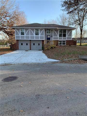 1803 W Elm Street, Greenwood, MO 64034 (#2253646) :: Edie Waters Network