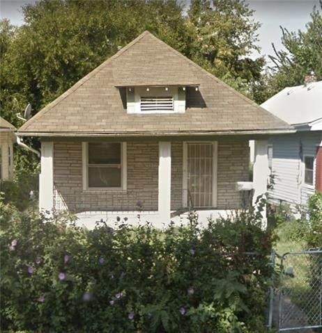 1918 Monroe Avenue, Kansas City, MO 64127 (#2254449) :: Dani Beyer Real Estate