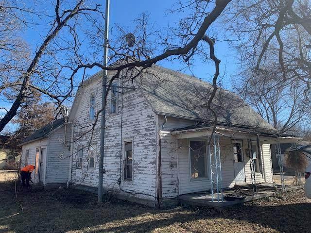 111 S Smith Street, Other, KS 67450 (#2254777) :: Austin Home Team