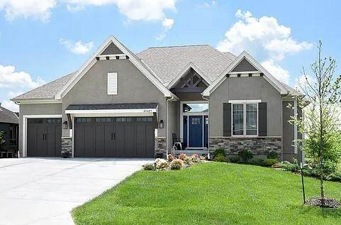 16400 S Brougham Drive, Olathe, KS 66062 (#2255000) :: Tradition Home Group | Compass Realty Group