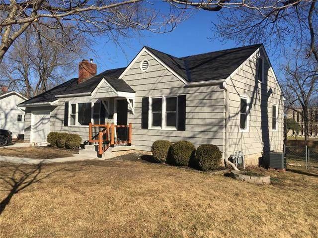 6425 Floyd Street, Overland Park, KS 66202 (#2255141) :: Team Real Estate