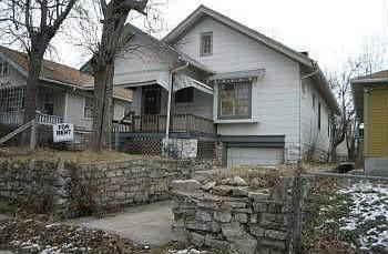 4639 Chestnut Avenue, Kansas City, MO 64130 (#2255621) :: Austin Home Team