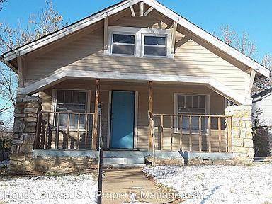 6818 Monroe Avenue, Kansas City, MO 64132 (#2255706) :: House of Couse Group