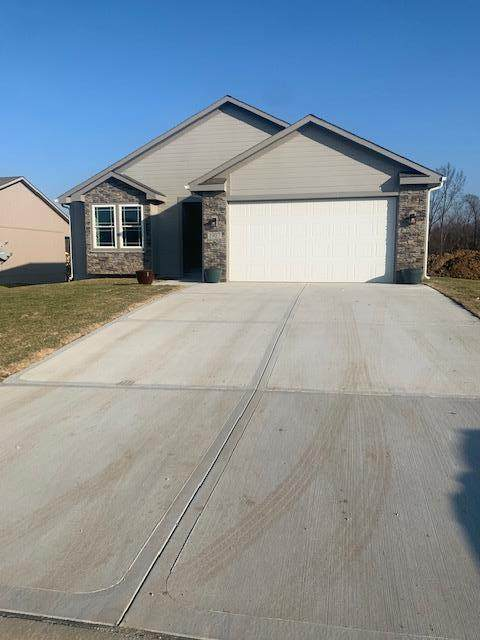 N Crane Street, Independence, MO 64058 (MLS #2256035) :: Stone & Story Real Estate Group