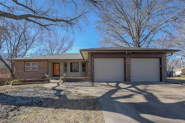 3001 Yellowstone Drive, Lawrence, KS 66047 (#2256514) :: Ask Cathy Marketing Group, LLC