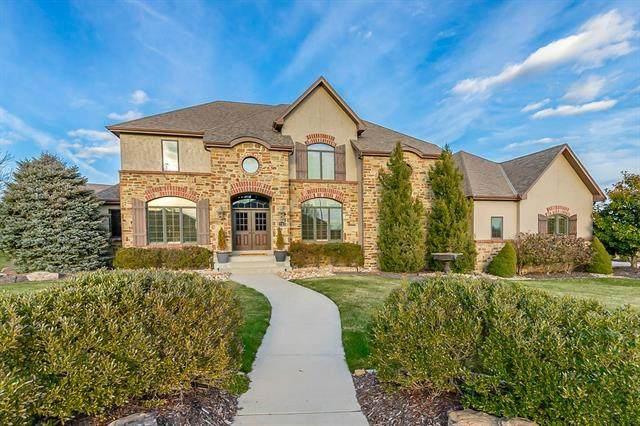 2708 NW Thoreau Drive, Lee's Summit, MO 64081 (#2256756) :: Team Real Estate