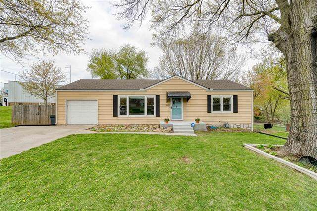 3027 N 77th Street, Kansas City, KS 66109 (#2258332) :: The Shannon Lyon Group - ReeceNichols