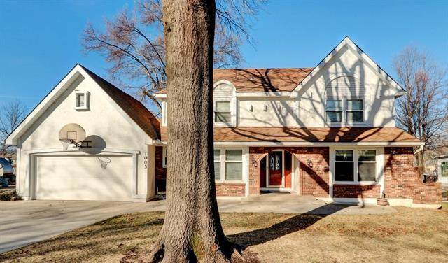 1005 Johnston Drive, Raymore, MO 64083 (#2258785) :: The Rucker Group