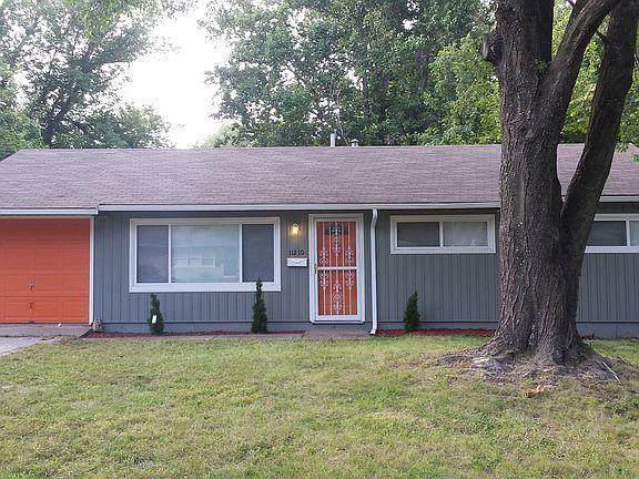 11210 Crystal Avenue, Kansas City, MO 64134 (#2259160) :: The Kedish Group at Keller Williams Realty