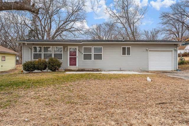 8024 Riverview Avenue, Kansas City, KS 66112 (#2259185) :: House of Couse Group