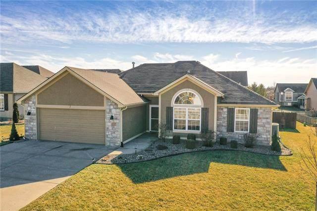 100 SE Sun Garden Street, Blue Springs, MO 64064 (#2259197) :: Team Real Estate