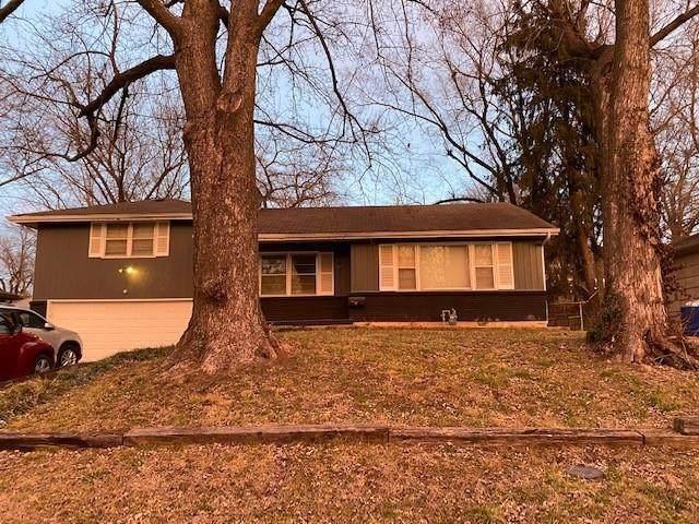 2215 N 45th Street, Kansas City, KS 66104 (#2259228) :: House of Couse Group