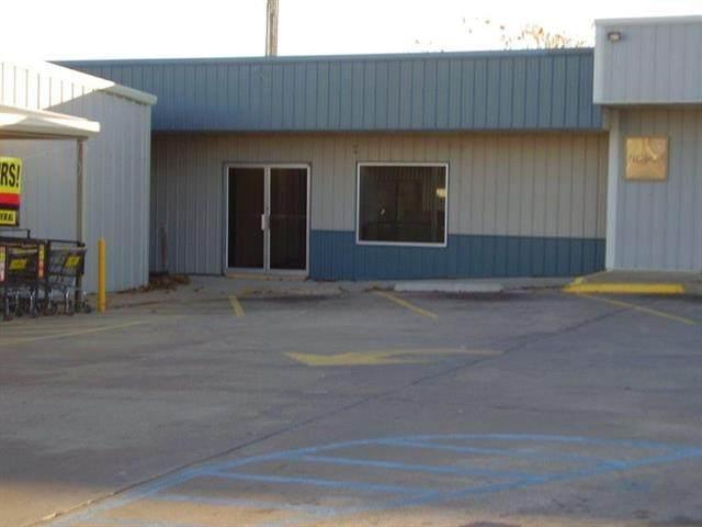 205 W 54, El Dorado Springs, MO 64744 (#230112) :: Eric Craig Real Estate Team