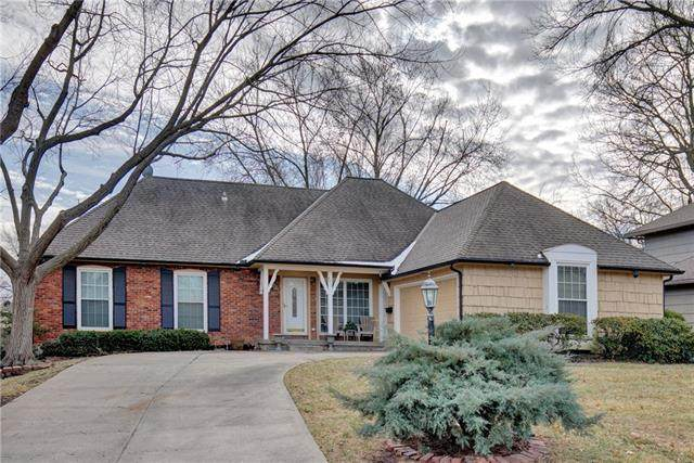 6317 W 100th Terrace, Overland Park, KS 66212 (#2301420) :: The Shannon Lyon Group - ReeceNichols