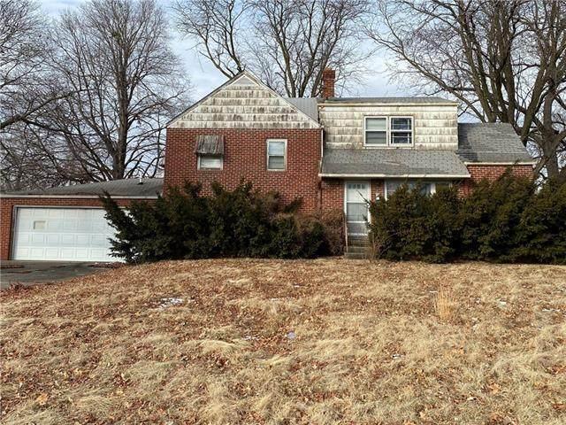 1803 6th Avenue, St Joseph, MO 64506 (#2301425) :: Eric Craig Real Estate Team